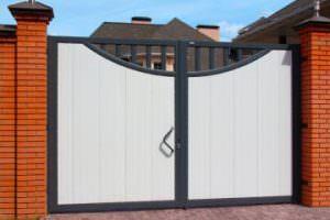 Распашные ворота для частных домов, объектов промышленного производства и строительства