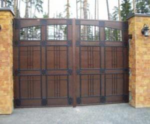 Распашные ворота для территории разных объектов
